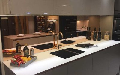 Why Use Glass Splashbacks Instead of Tiles?